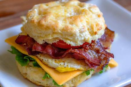 bacon-biscuit-breakfast